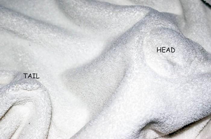 Es fácil coser una manta peluche en forma de perro para un bebé o un niño pequeño con este patrón gratis e instrucciones.