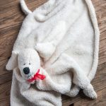 Manta Peluche en Forma de Perro con Patrón