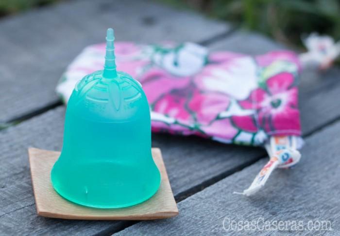 ¿Qué es la copa menstrual? ¿Es comoda? ¿Por qué es una buena alternativa a tampones y compresas? Os cuento sobre mi experiencia y por qué la debes probar.