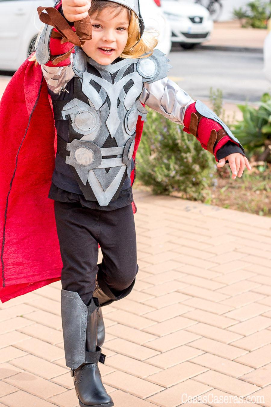 Disfraz De Thor Casero Y Como Hacer El Martillo De Thor Cosas Caseras - Como-hacer-un-disfraz-casero