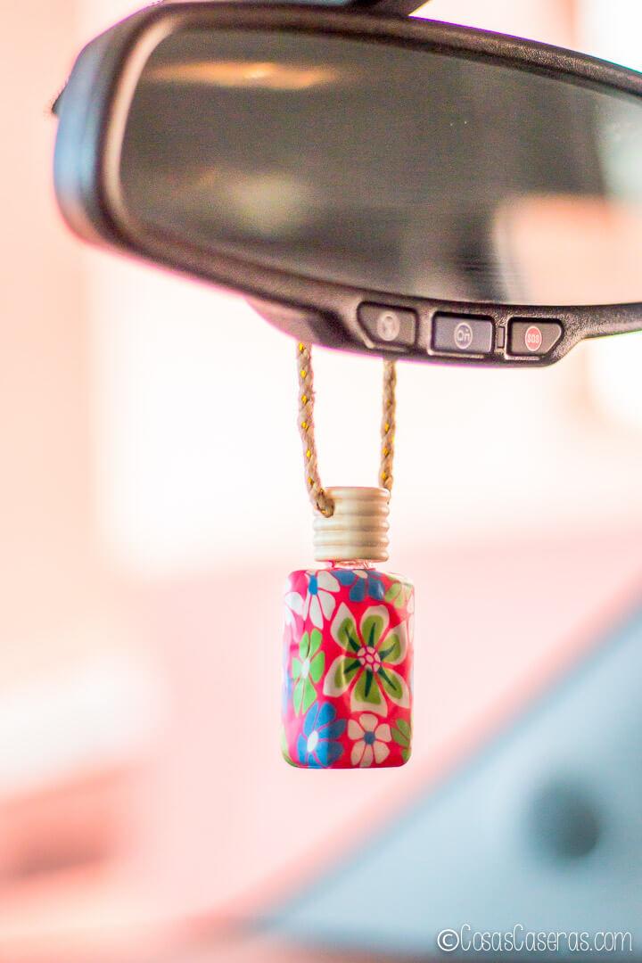 Dale una fraganciafresca a tu coche con este ambientador natural casero que usa los aceites esenciales que tú elijas.