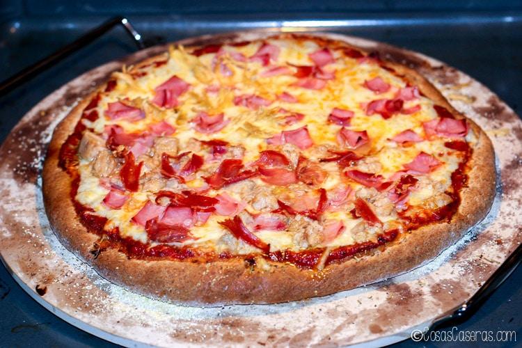 La pizza ya terminada