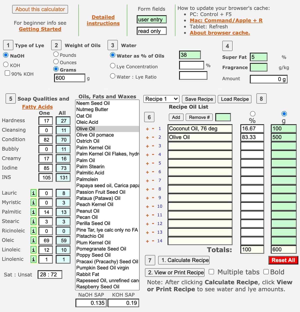 Una captura de pantalla de la primera página de la calculadora de saponificación Soapcalc. Tiene algunos números y aceites ya ingresados en el formulario.