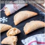 Protagonistas de la Navidad, los pastissets de boniato (moniato) son un tipo de empanadilla dulce rellena de dulce de boniato. #recetasnavideñas #cosascaseras #empanadillas #pastissets #recetassingluten #singluten #almendras